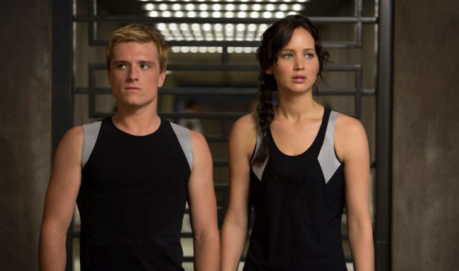Josh-Hutcherson-and-Jennifer-Lawrence-in-The-Hunger-Games-Catching-Fire-2013-Movie-Image-650x385
